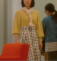 第6話 吉岡里帆 スカート.jpg